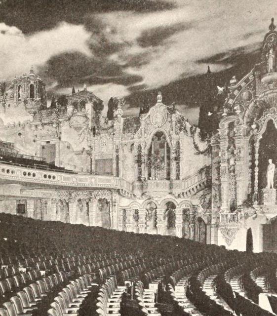 Loew's Valencia Theatre, Jamaica, NY in 1929 - Right sidewall