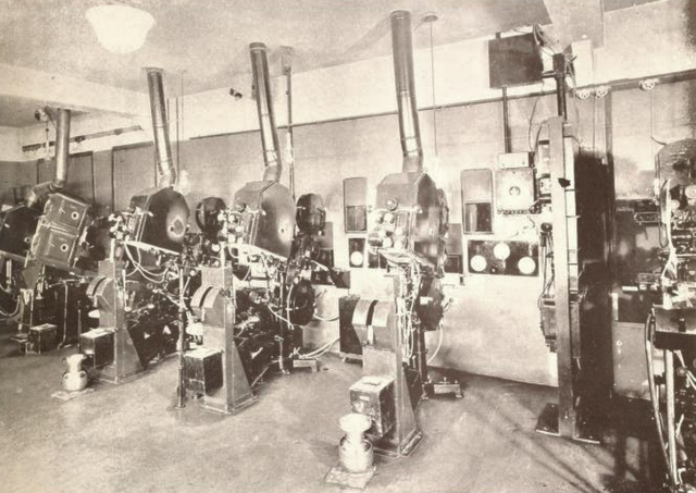 Granada Theatre, Chicago, IL in 1929 - Projection Room