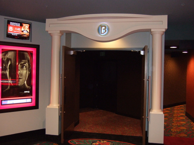 AMC Dine-In Thousand Oaks 14