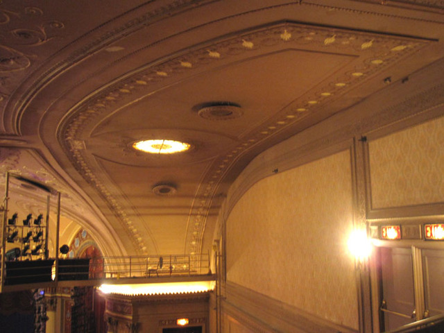 State Theatre (Cleveland, OH) - Upper part of balcony/orchestra foyer