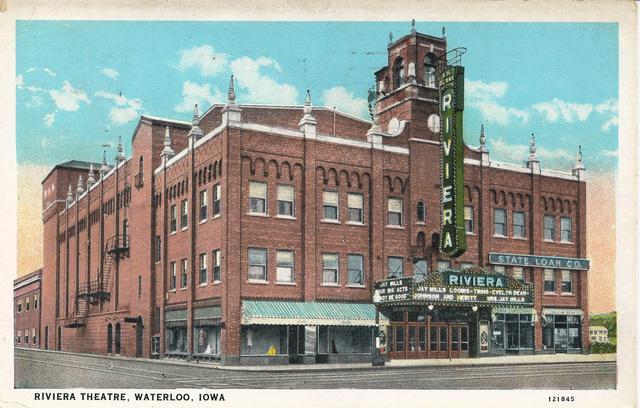 Riviera  Theatre (Paramount)