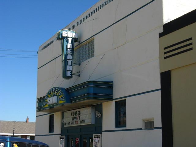 Gothenburg (NE) United States  city pictures gallery : Sun Theatre in Gothenburg, NE Cinema Treasures