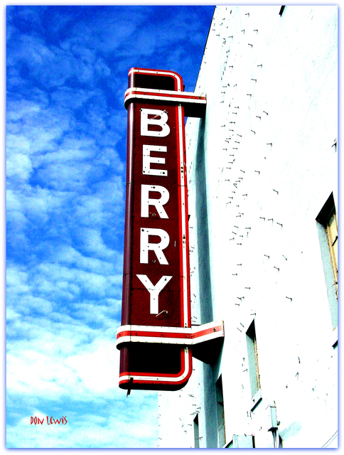Berry Theatre Sign© Fort Worth TX / Don Lewis