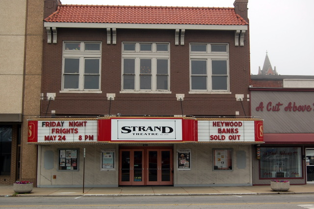 strand theatre in shelbyville in cinema treasures