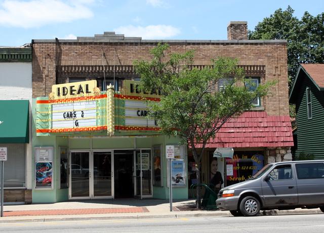 Ideal Theatre, Clare, MI