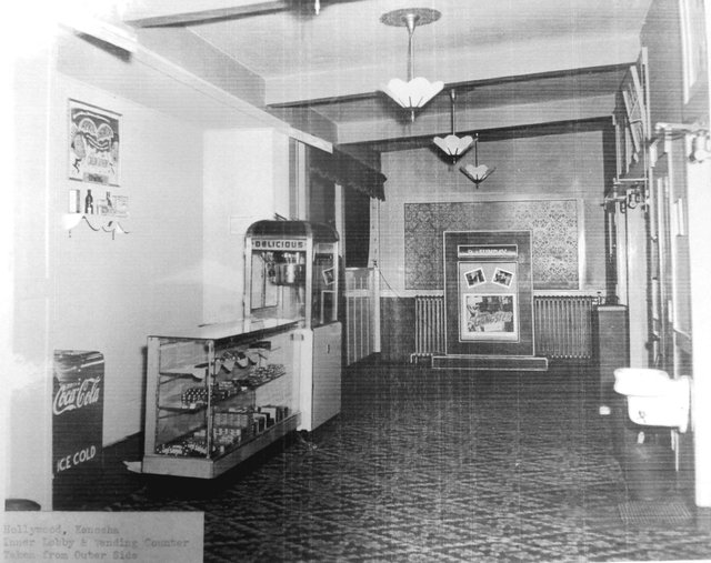 HOLLYWOOD (BUTTERFLY) Theatre lobby; Kenosha, Wisconsin (1948)