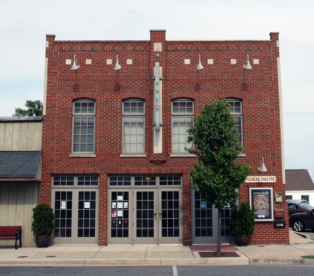 Vickers Theatre, Three Oaks, MI