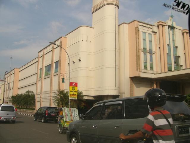 Former Theatre Ria