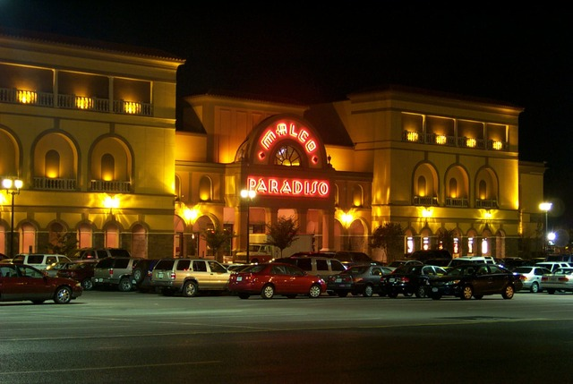 Paradiso at night