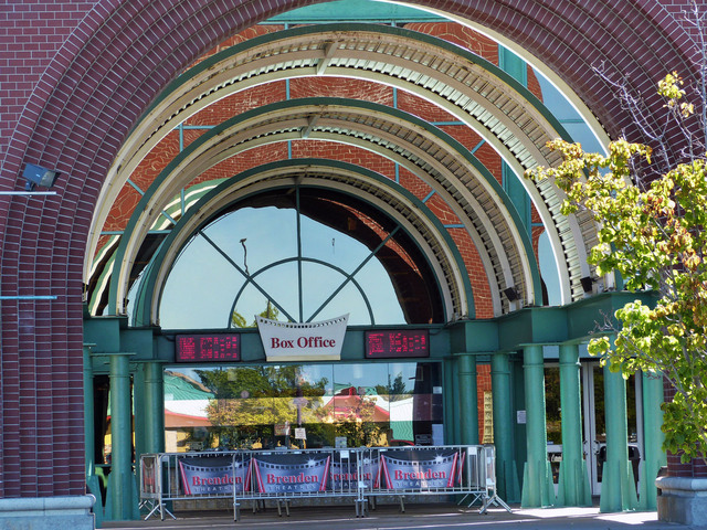 Brenden Theatres Vacaville 16