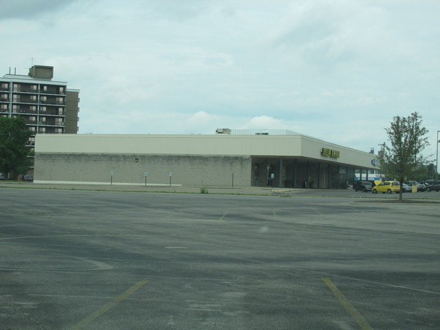 AMC Eastland Plaza 6