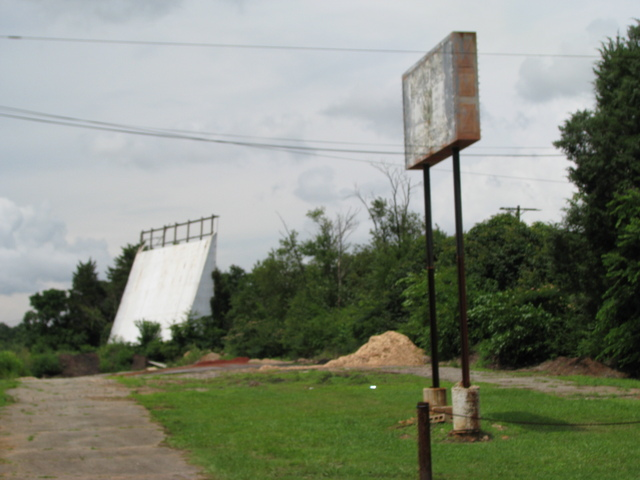 'South 29 Drive-In' entrance on US29