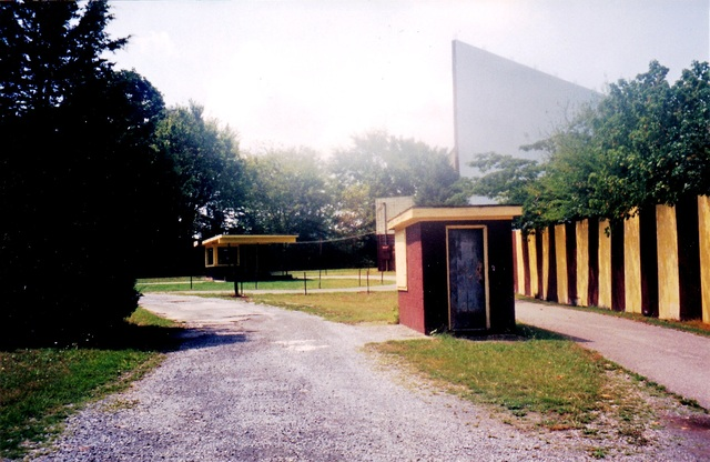 Woodzo Drive-In, Newport TN