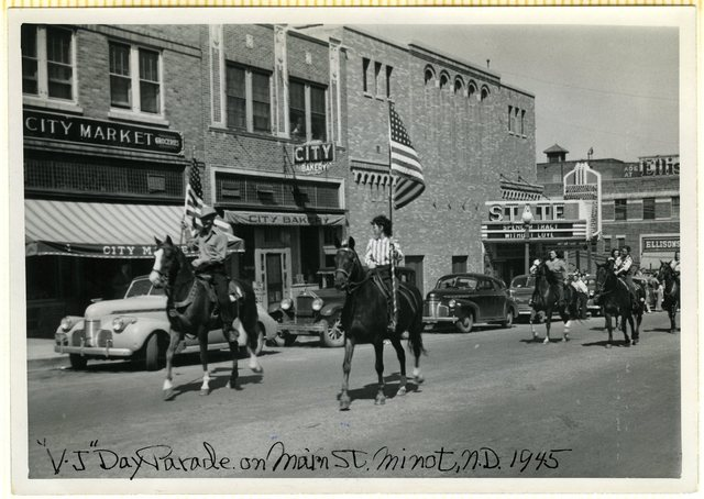 1945 Photo STATE Theatre Minot ND