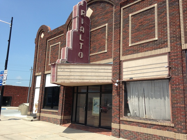 Cozad (NE) United States  city photos gallery : Rialto Theatre in Cozad, NE Cinema Treasures