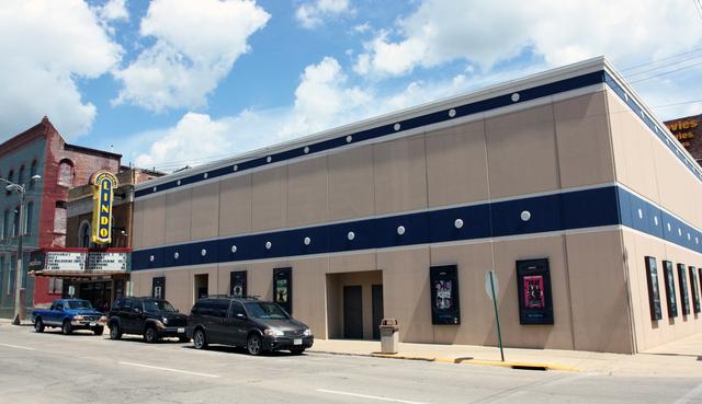 Lindo Theatre, Freeport, IL