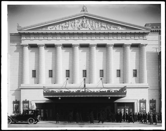 Rivoli Theater in 1918.