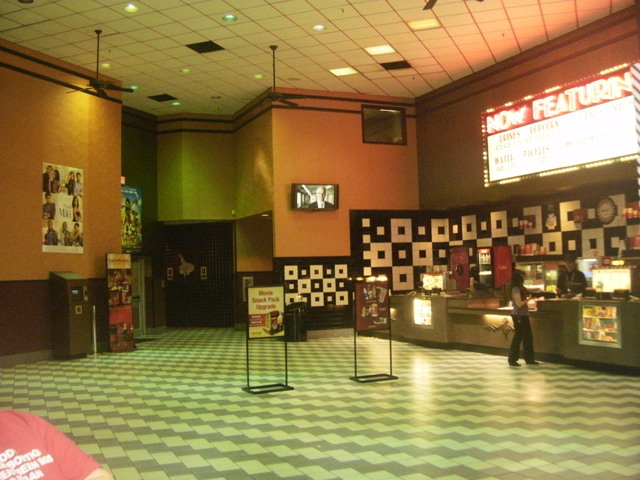 Movies playing in tupelo ms