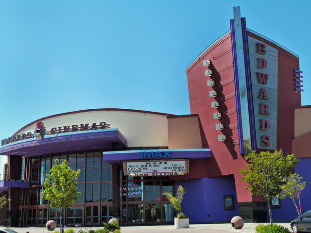 Edward's Fairfield Stadium 16 Cinema's