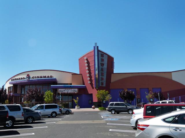 Edward's Fairfield Stadium 16 Cinema's