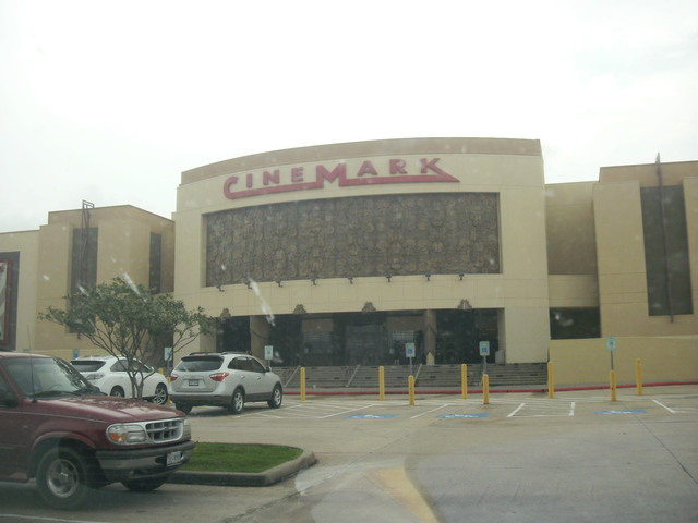 Cinemark 18 & XD