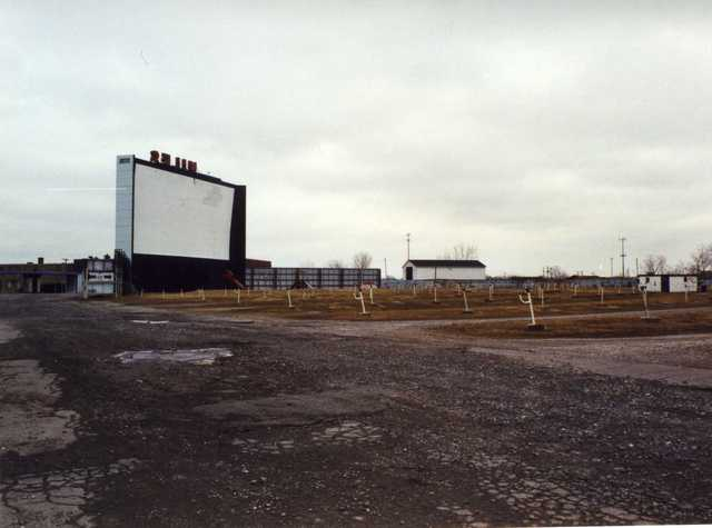 Miles Drive-In in 2001