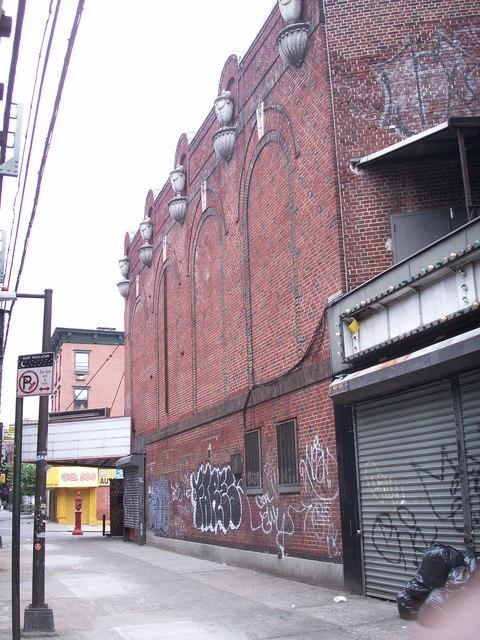 Commodore Theater