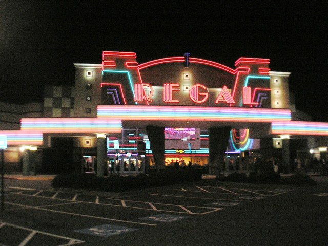 Regal Town Center Stadium 16