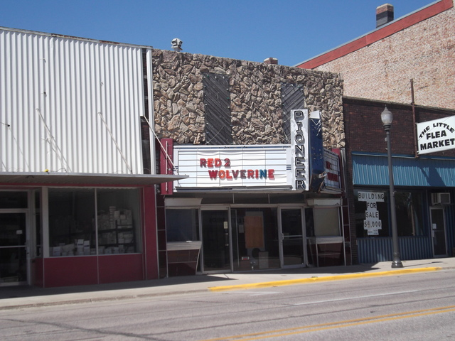 Milford (IA) United States  city images : Pioneer Theatre in Milford, IA Cinema Treasures