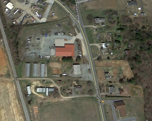 2013 aerial -- a boat repair center