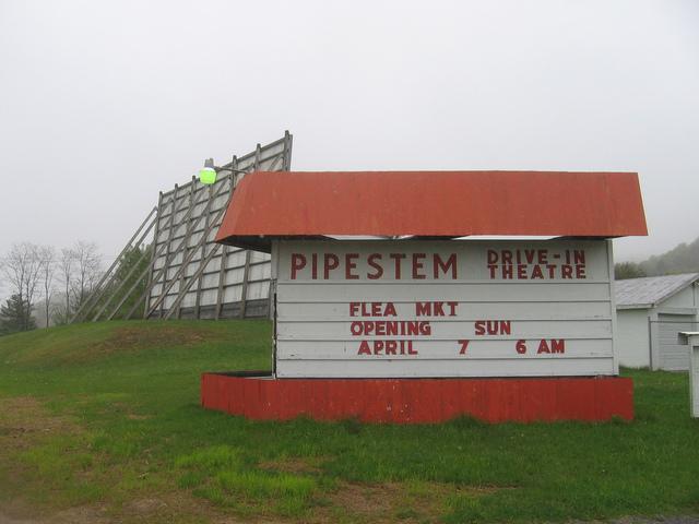 Pipestem Drive-In