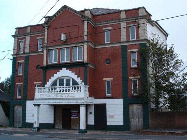 Cwmamman Workmens' Hall and Institute