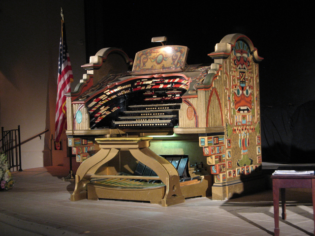 4/34 Wurlitzer Theatre Organ
