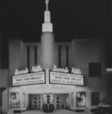<p>A 1944 shot of the Beverly Hills Theater then under control of Bart McLendon's Tri-State Theater Circuit. McLendon would sell the theater to Robb & Rowley three years later and then sue Rowley over business practices.</p>