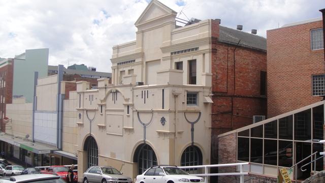 Lyrique Theatre