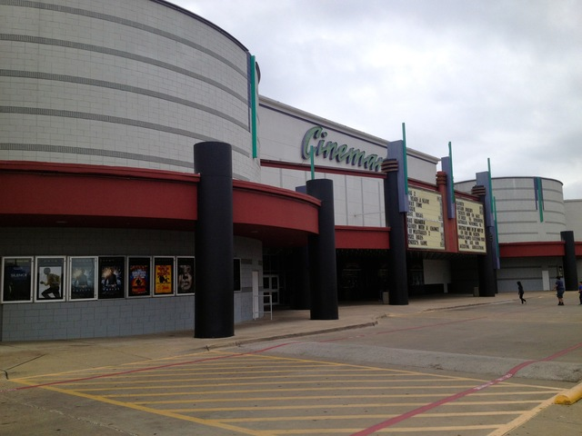 Cinemark 17