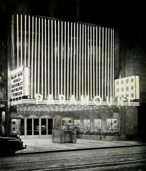 Hollywood Paramount Theatre in 1942
