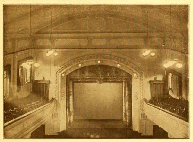 Majestic, Nelson 1926 - Screen