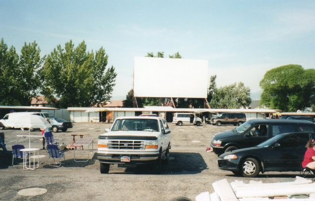 Redwood 6 Drive-In