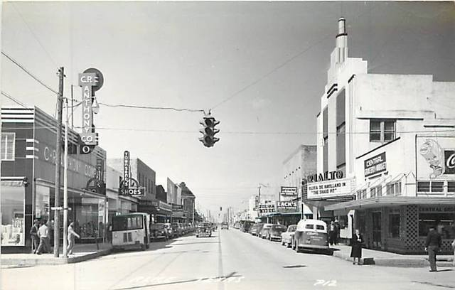 1948 photo of the Rialto courtesy of the Lincoln Land Facebook page.