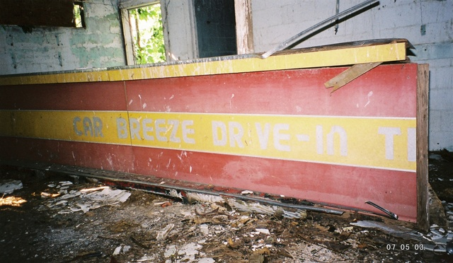 Car-Breeze Drive-In