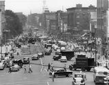 <p>Main Street Hartford Ct – you can see the Loew's Poli and the Loew's Palace on the right (west) side of the street. C 1950</p>