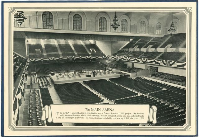 Full arena in 1925