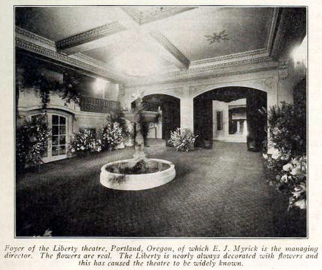 Liberty Theatre, Portland Oregon in 1918 - Foyer