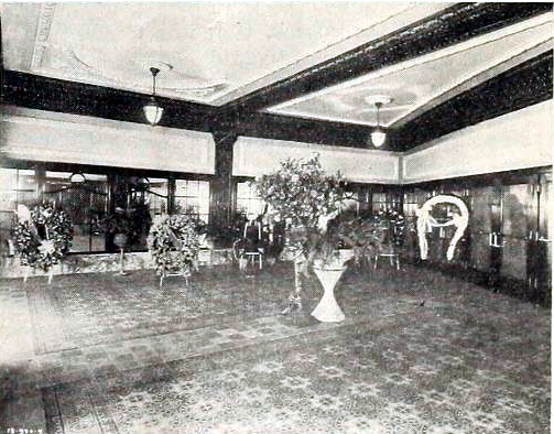 Woodlawn Theatre, Chicago IL in 1918 - Foyer
