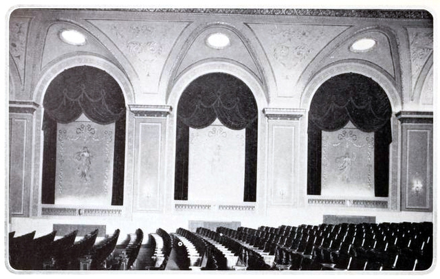 Stillwell Theatre, Brooklyn, New York in 1927 - Sidewall with arches and drapes
