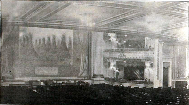 Empress Theatre, Des Moines in 1920 - Auditorium and Stage