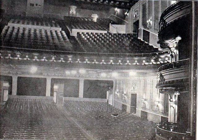 Empress Theatre, Des Moines in 1920 - Auditorium