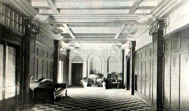 Rialto Theatre, Aurora IL in 1920 - Foyer