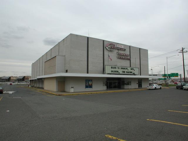 Cineplex Odeon Route 17 Triplex - 2002